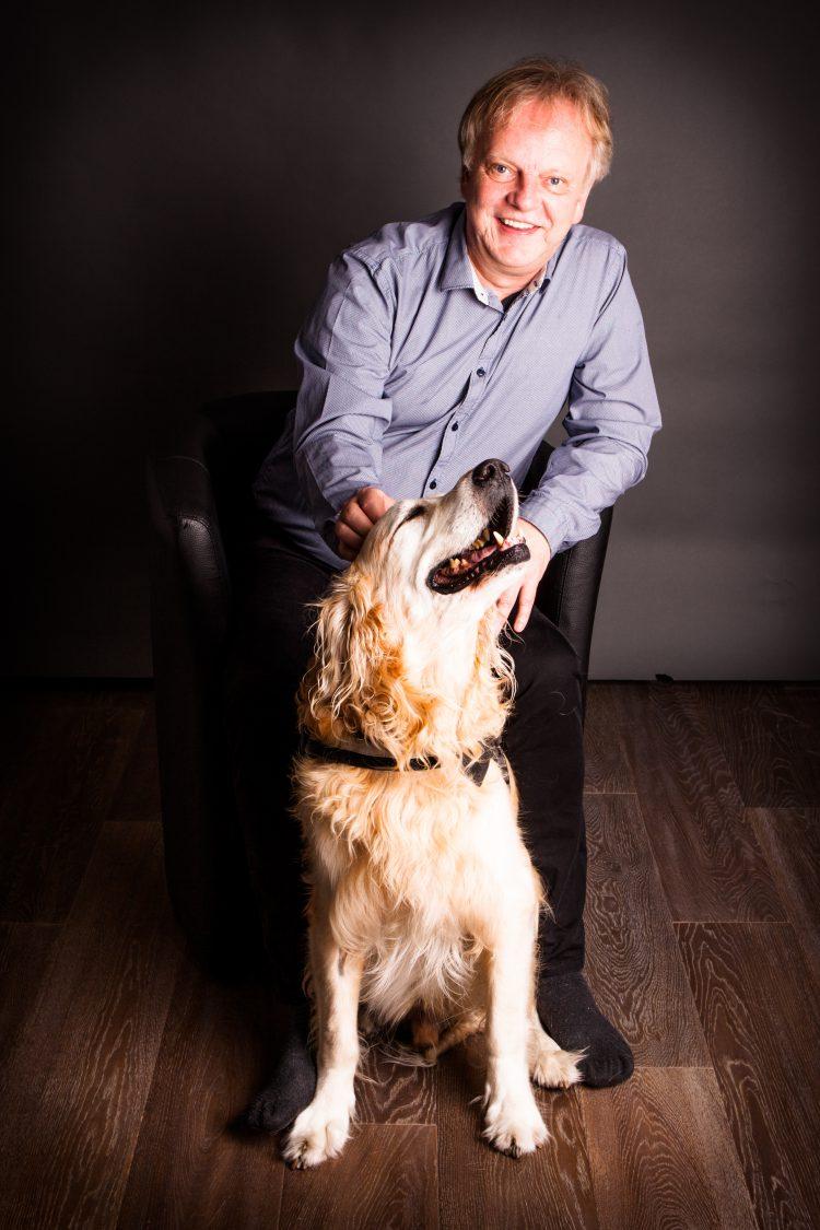 Hund im BüroDas sollten Sie als Mitarbeiterin oder Mitarbeiter beachten - Fachbeitrag business-wissen